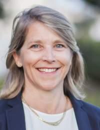 Dr Bernadette Veeger